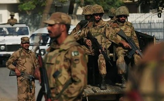 Role of Pak Army in Political Crisis